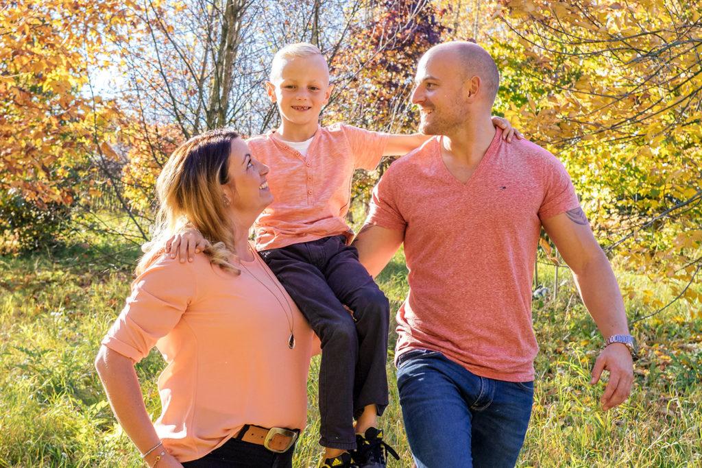 Familienfotos Dresden Mutter Vater Kind Herbst Spaziergang